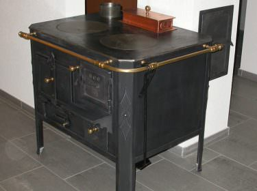 holzherde cheminee jost ag frutigen sanit r. Black Bedroom Furniture Sets. Home Design Ideas